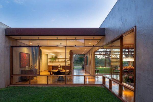 Остекление частного дома в Бразилии