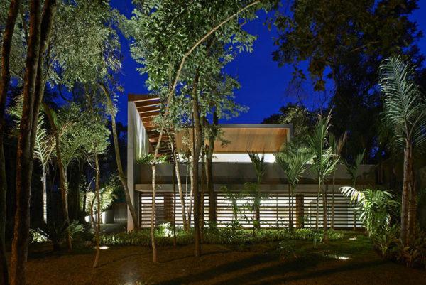 Территория частного дома в Бразилии