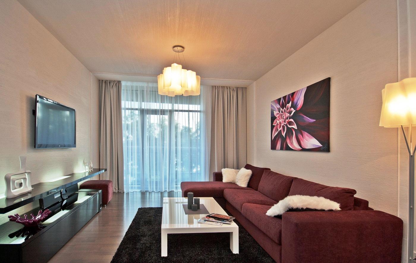 дизайн узкой гостиной с балконом фото заведения имеют единую