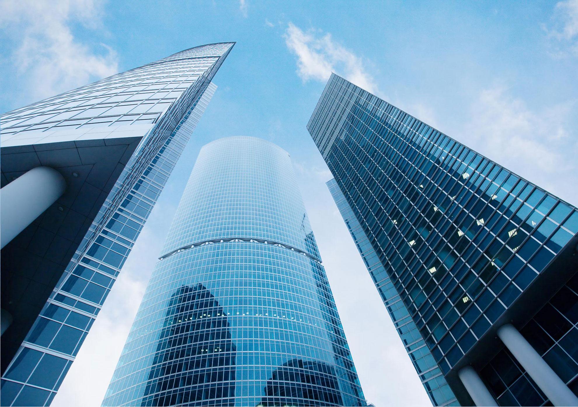 Почему стеклянные фасады зданий самые стильные и оригинальные в 2017?